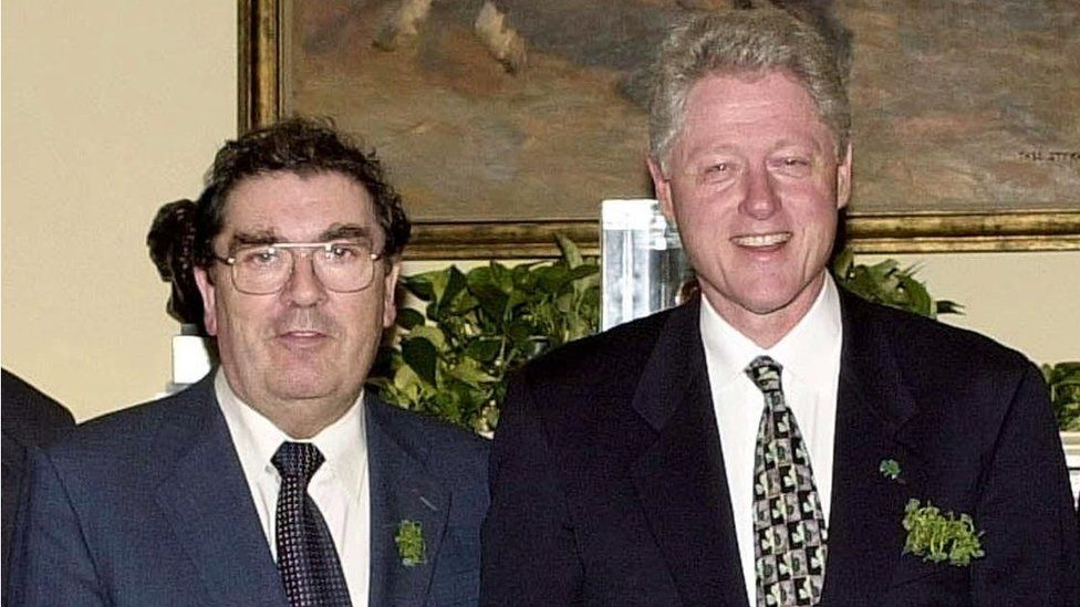 John Hume and Bill Clinton at the White House in 2000