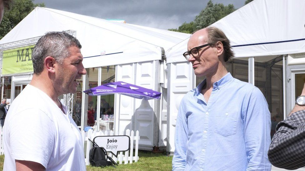 Osian Roberts and Will Gompertz