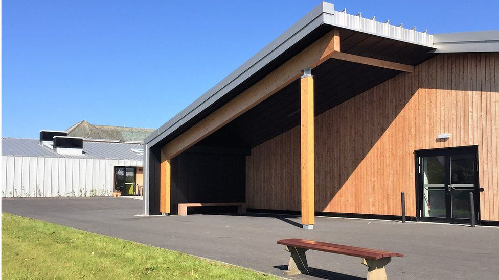 """Noss Primary School, Wick - """"This new primary is composed of a series of extruded linear wings"""""""