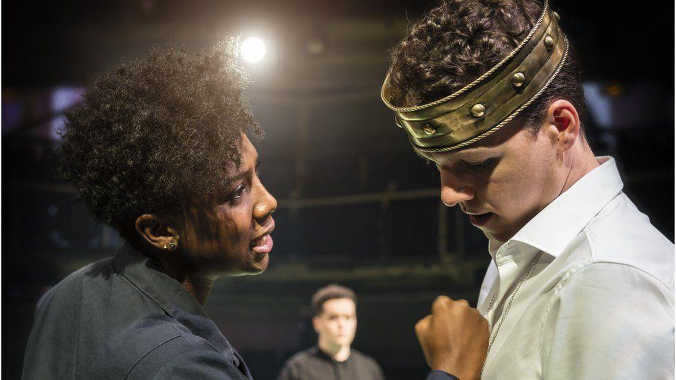 Jade Anouka as Queen Margaret and Max Runham as Henry VI