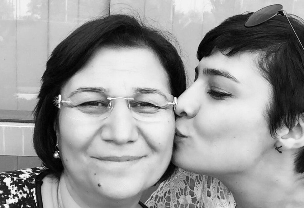 Photo of Sabiha Temizkan and her mother Leyla Guven tweeted by