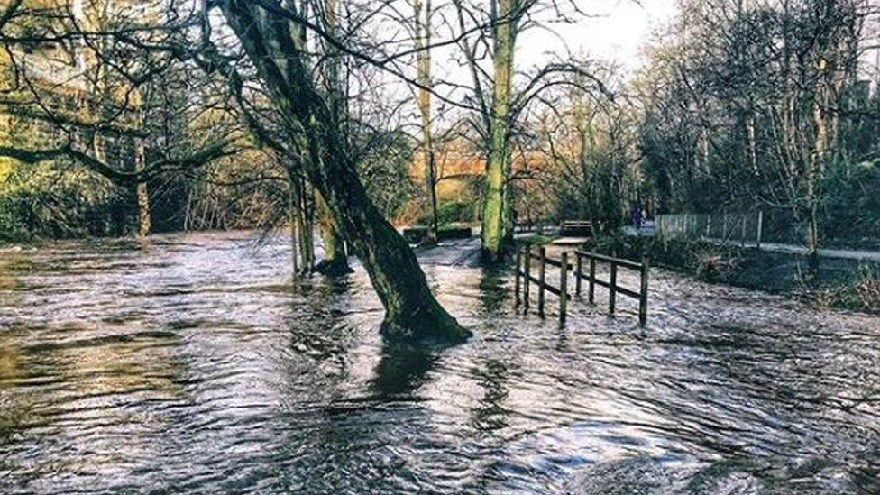 Flooding on Kelvin Walkway