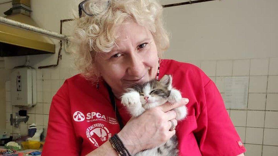Волонтерка і кіт