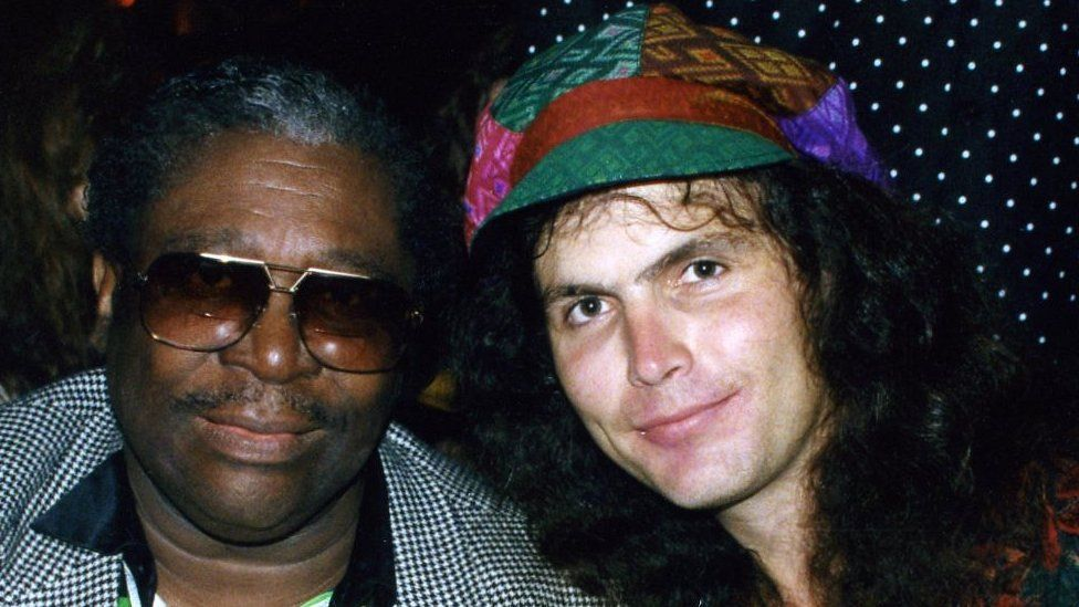 Lanny Cordola has played in numerous bands in the US over the years; here he is with Blues legend B B King in 1993