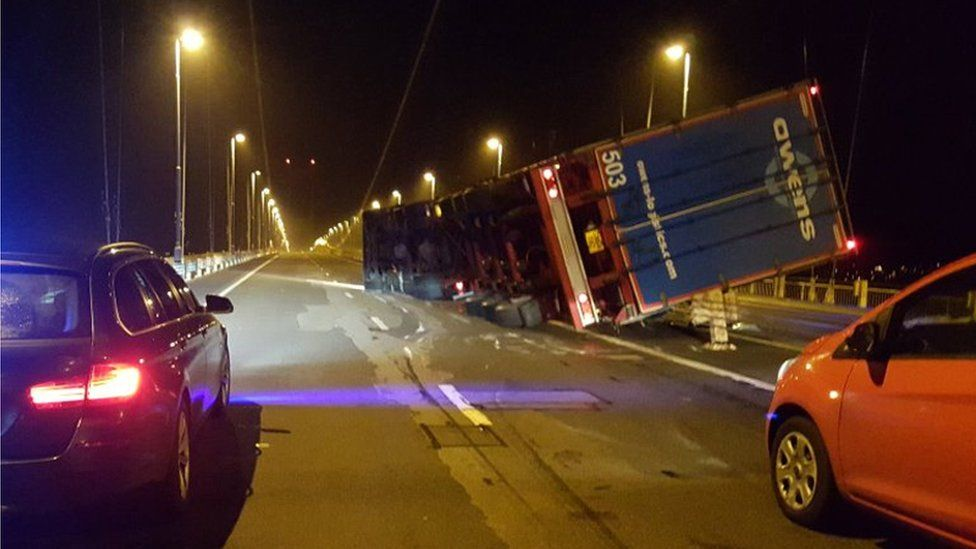 A lorry overturned on the M48 Severn Bridge on Friday morning