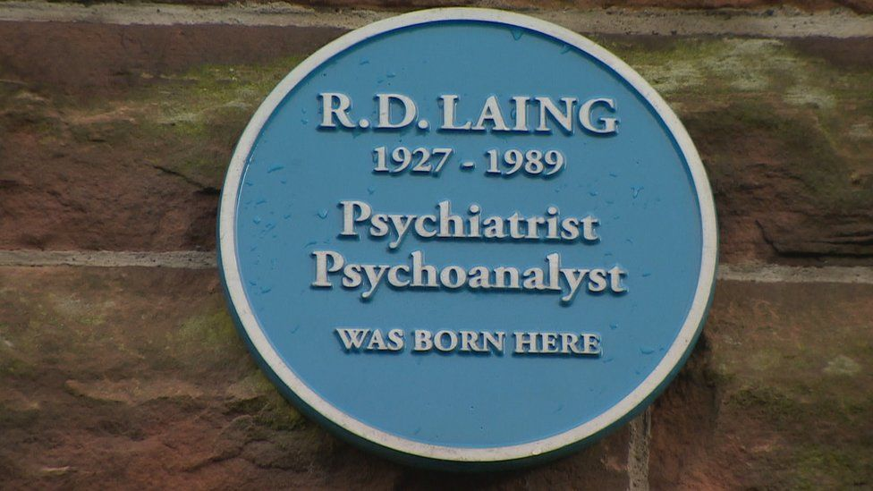Laing was born in Govanhill in Glasgow in 1927