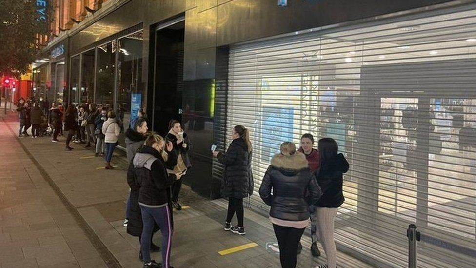 The queue outside Penneys on Mary Street in Dublin before it opened this morning