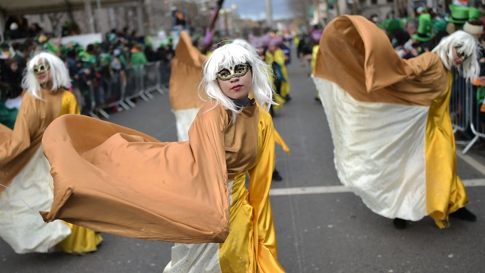 Dancers in the Dublin parade