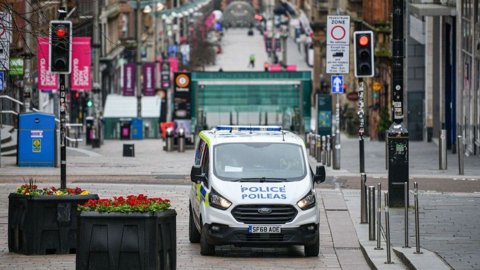 Police van in Glasgow's Buchanan Street