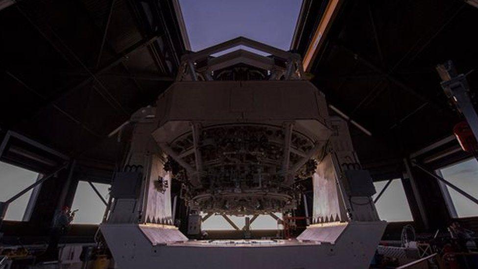 """¿Para qué sirve el """"más sofisticado"""" telescopio militar que el gobierno de EE.UU. acaba de sacar a la luz?"""