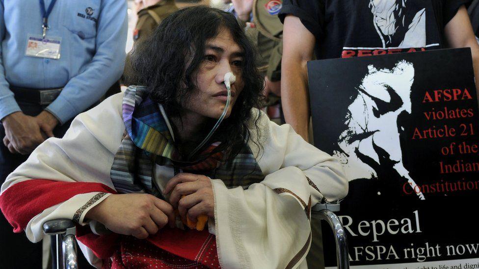Irom Sharmila, la activista que decidió poner fin a su huelga de hambre de 16 años
