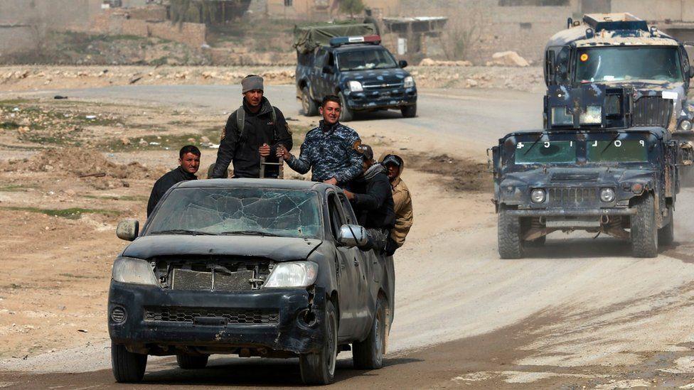 Iraqi forces advance in western Mosul (27 February 2017)