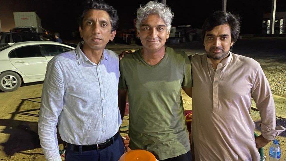Mutiallah Jan in the centre