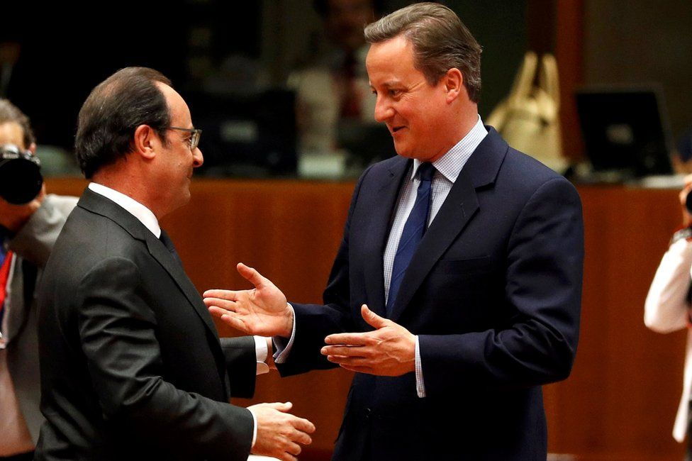 UK Prime Minister David Cameron (R) with French President Francois Hollande in Brussels, 28 June