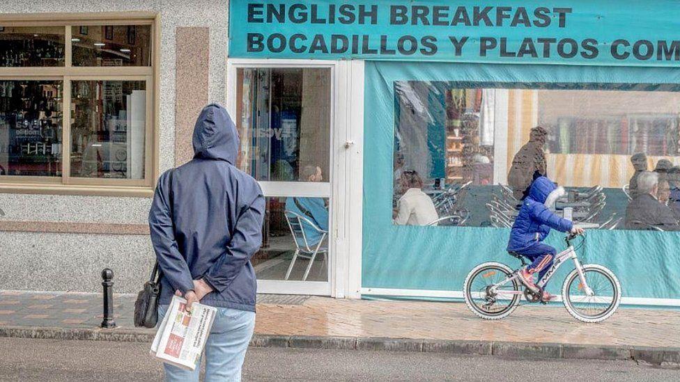 Fuengirola cafe, file pic