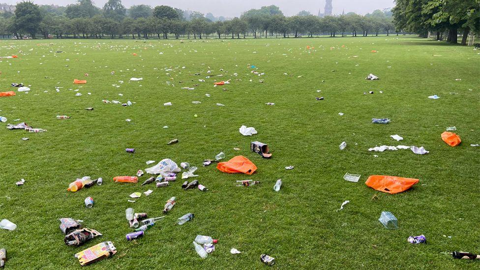 Litter on Edinburgh Meadows