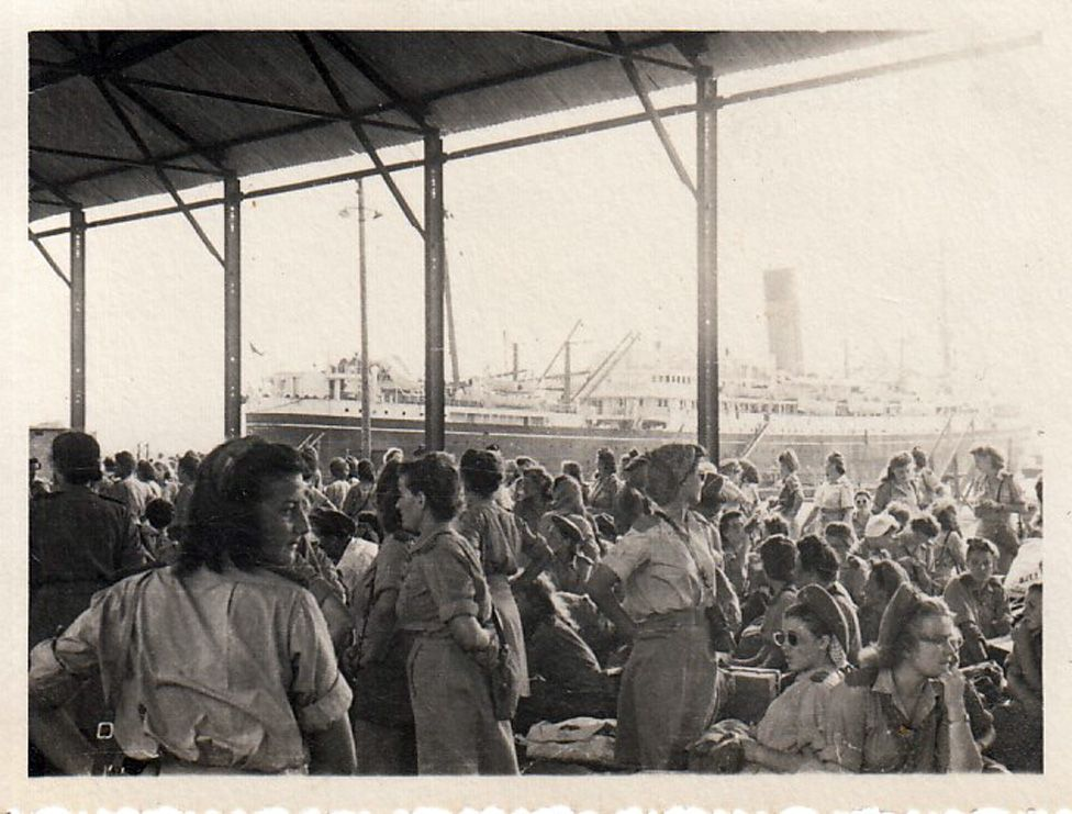 Polish migrants arrive in UK for resettlement in 1947