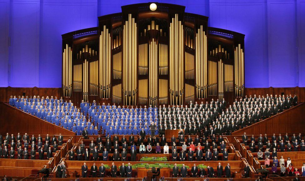 Mormon leaders gather for LDS General Conference Session in 2016