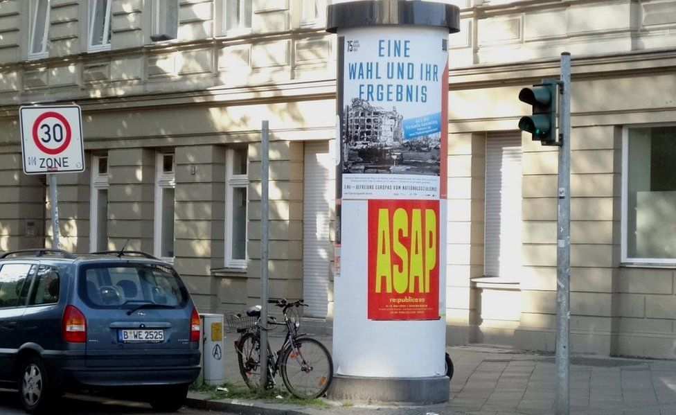 Poster marking the public holiday in Berlin