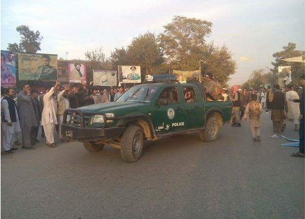 Tweet by Afghanistan Taliban spokesman Zabihullah Mujahid showing fighters in Kunduz with a police vehicle