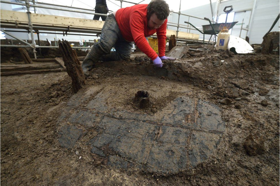 Excavating a Bronze Age wheel