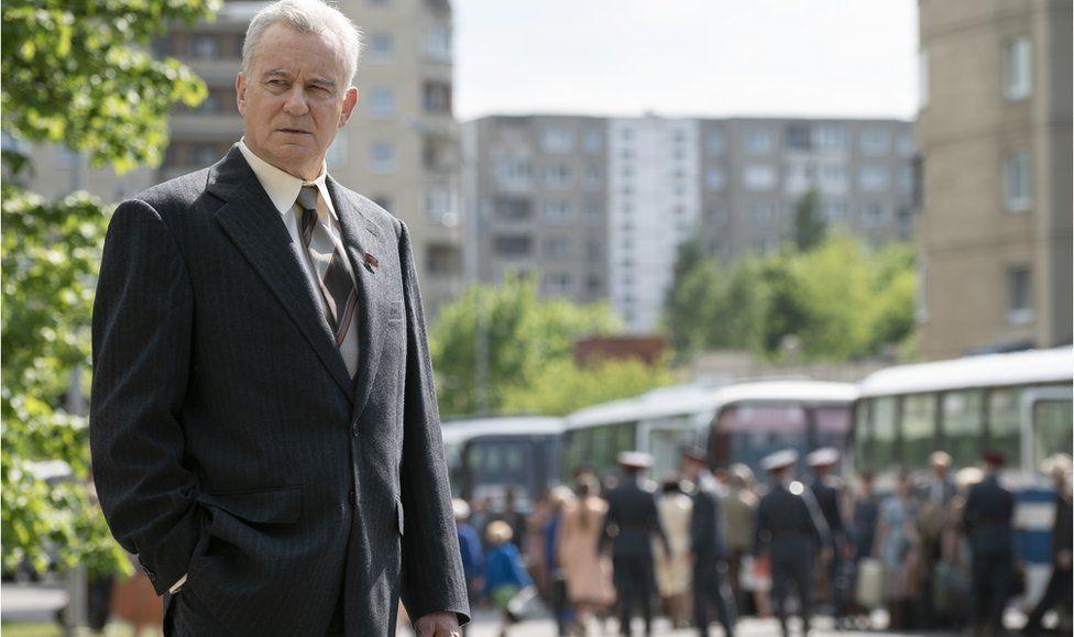 Стеллан Скарсгорд у ролі Василя Щербини серед евакувації