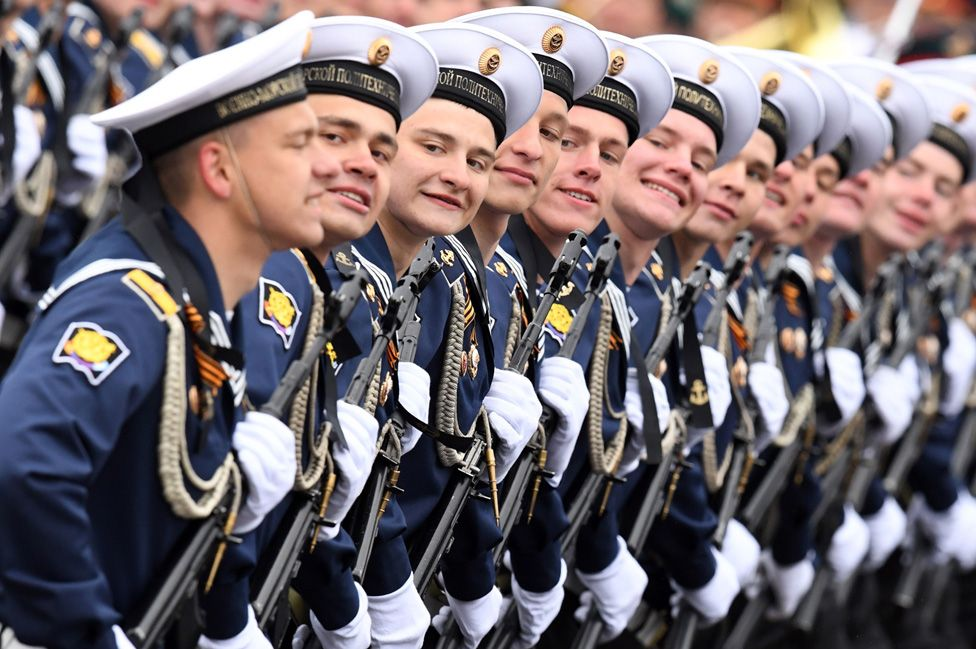 Russian sailors in Moscow, 9 May 17