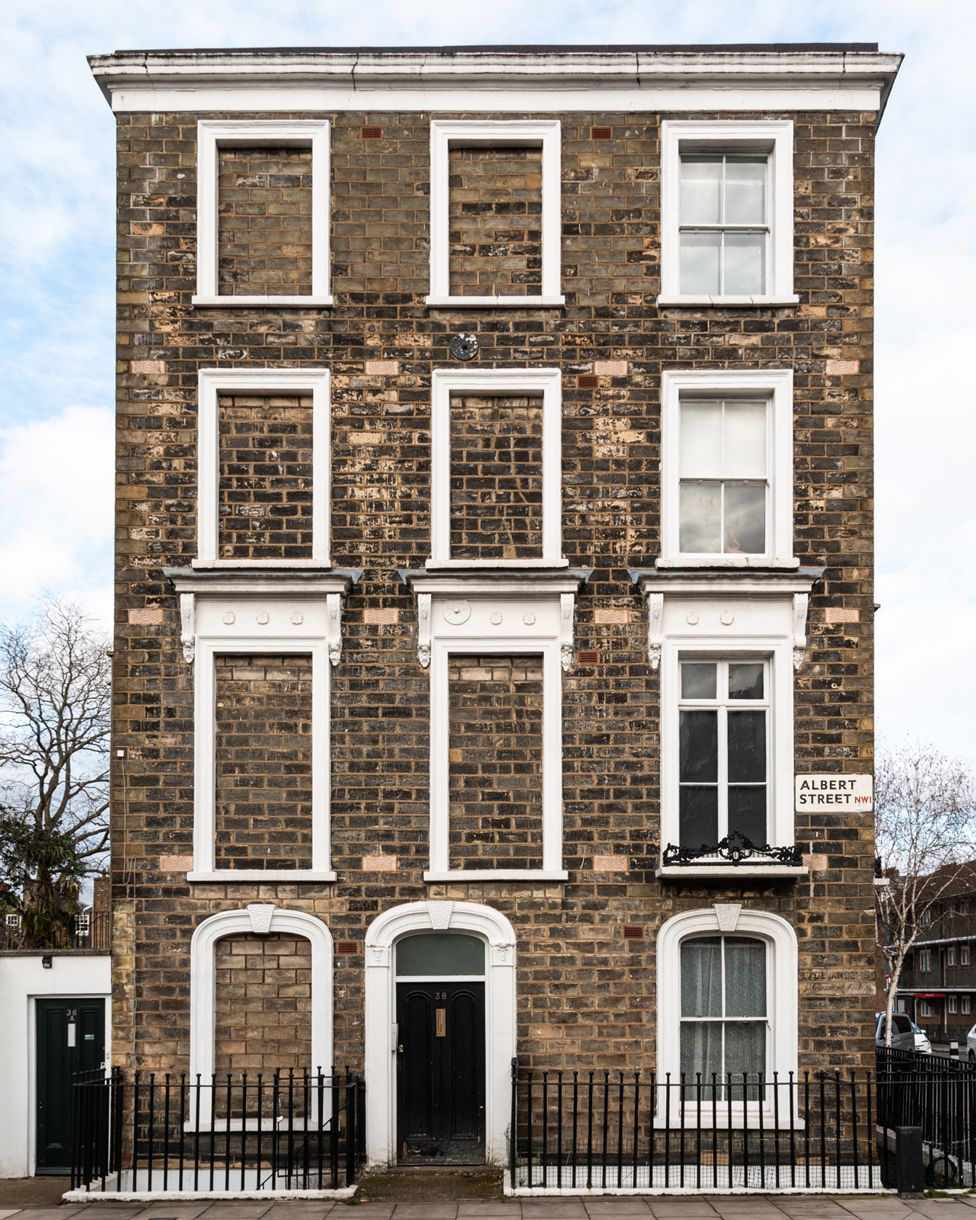 Detached building with several blocked windows on Albert Street, London, mid-19th Century