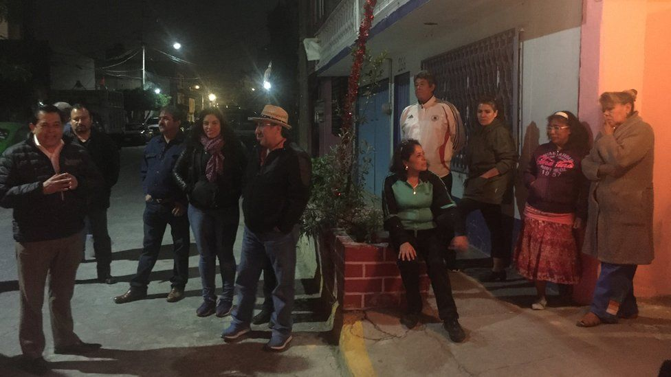 Residents gather in the streets in Nezahualcóyotl