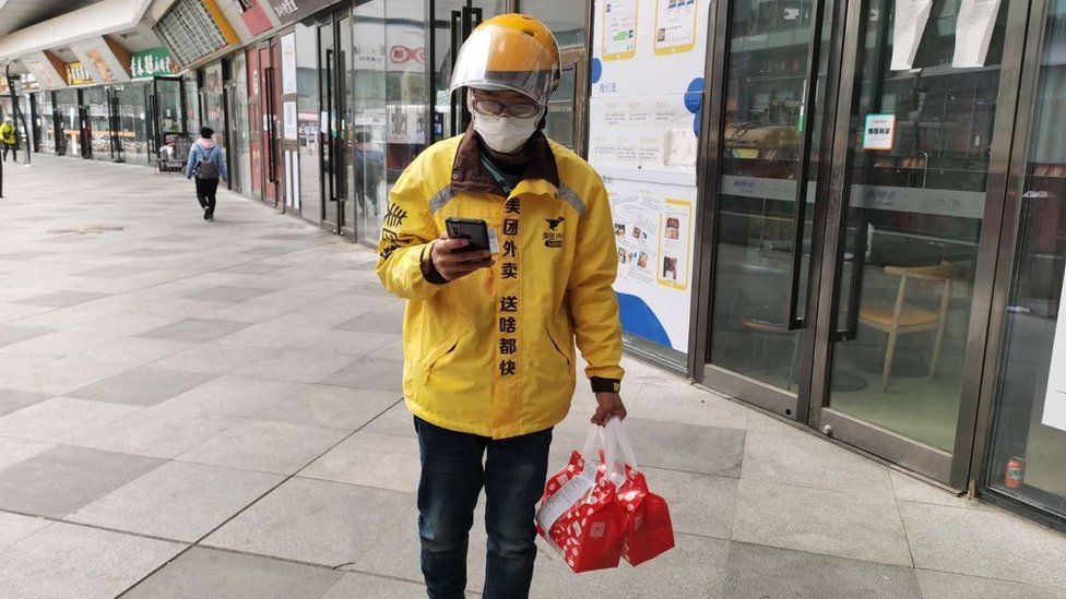 Being a food delivery rider, Mr Li feels he can not only give back to the medical community but to the city's vulnerable too.