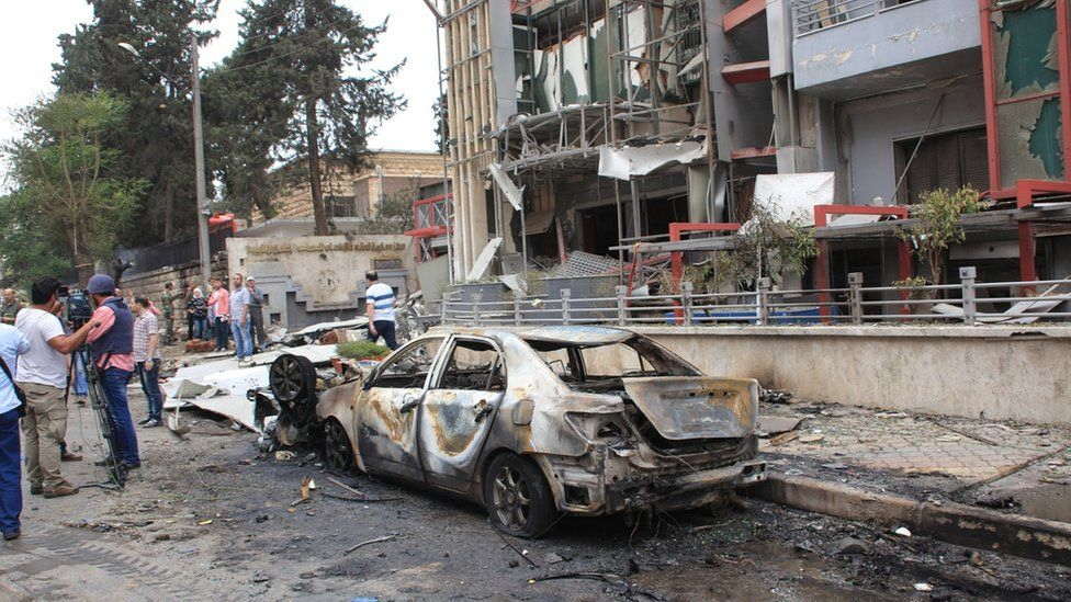 Aftermath of reported rebel rocket attack on hospital in government-controlled Aleppo, Syria (3 May 2016)