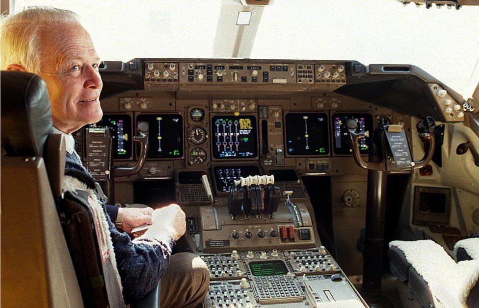 Dr David Warren pictured smiling in the cockpit of a Boeing 747, on 26 August 1998.