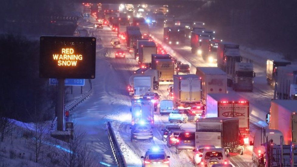 Traffic on the M80 in Glasgow
