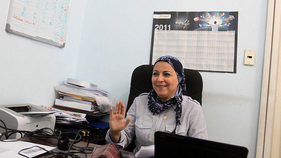 حبس الصحفية المصرية إسراء عبد الفتاح على ذمة التحقيق ونقابة الصحفيين تطالب بالإفراج عنها وعن صحفي آخر