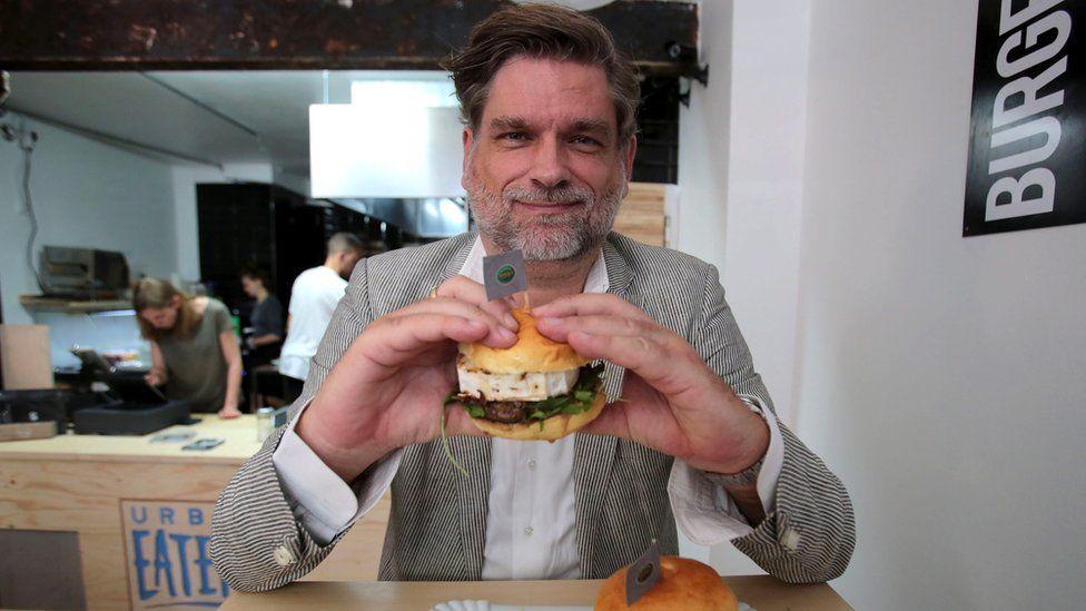 Joerg Tiemann with Erdogan-Burger