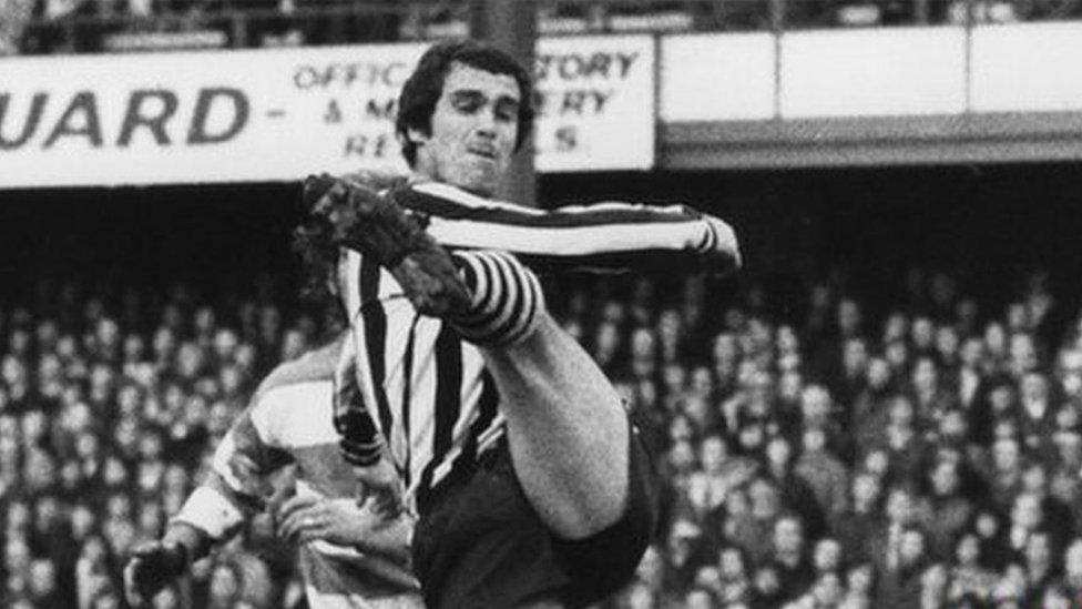 Bob Moncur playing for Newcastle