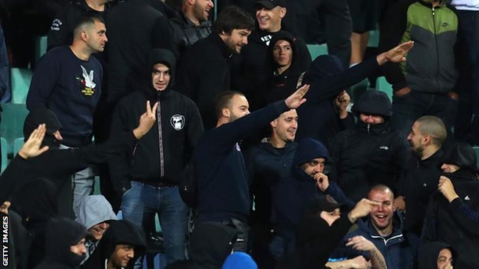"""Bulgarie - Angleterre : 'la famille du football doit faire la guerre aux racistes"""""""
