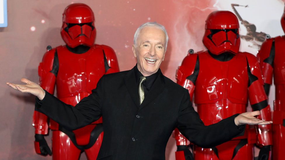 Anthony Daniels at the European premiere of Star Wars: The Rise of Skywalker