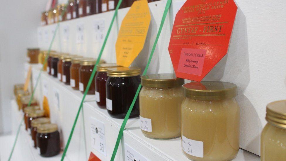 Jariau mêl // Jars of honey