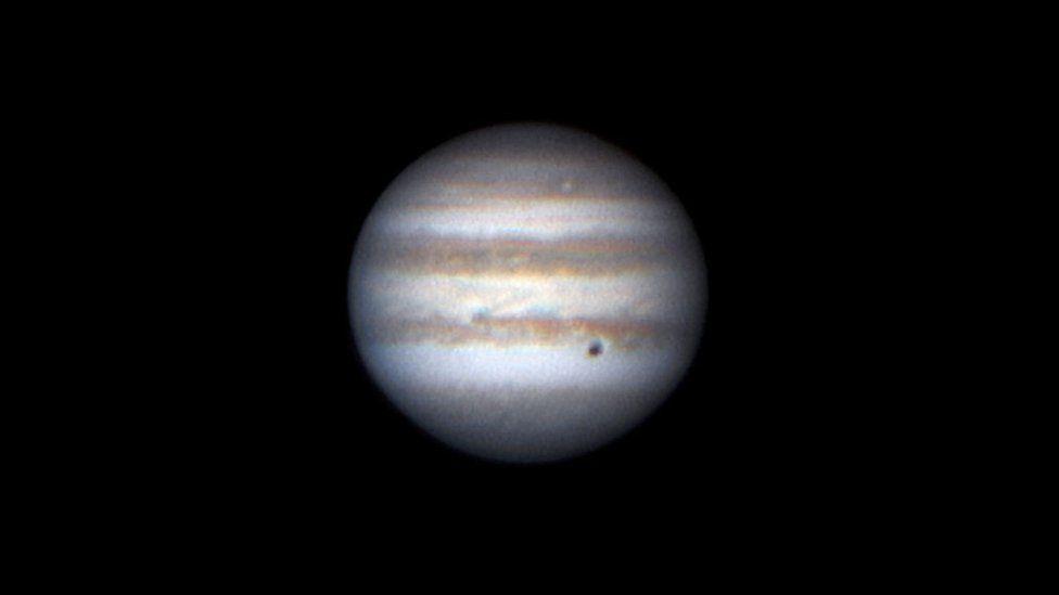 Júpiter en oposición: el espectacular acercamiento del mayor planeta del sistema solar a la Tierra que permite ver sus lunas sin necesidad de telescopios