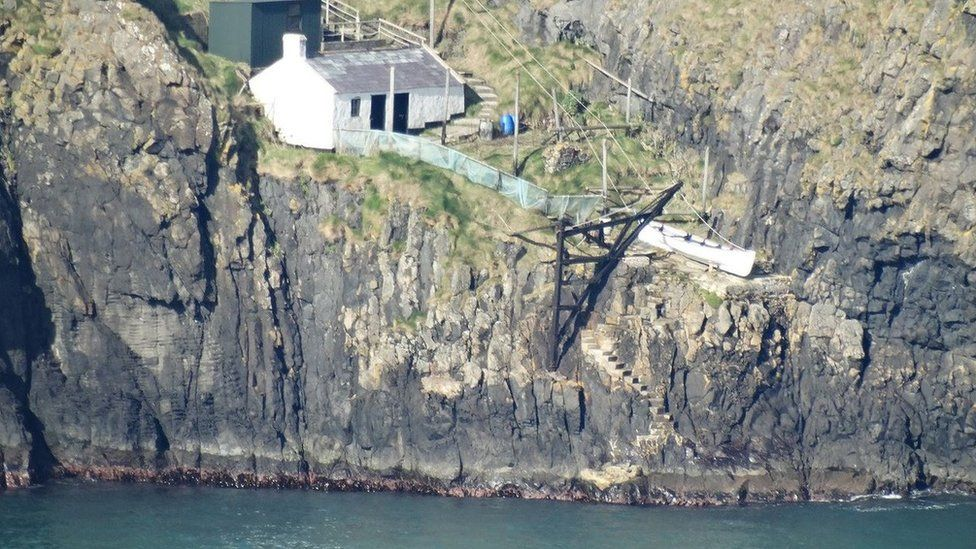 Carrick-a-Rede cottage