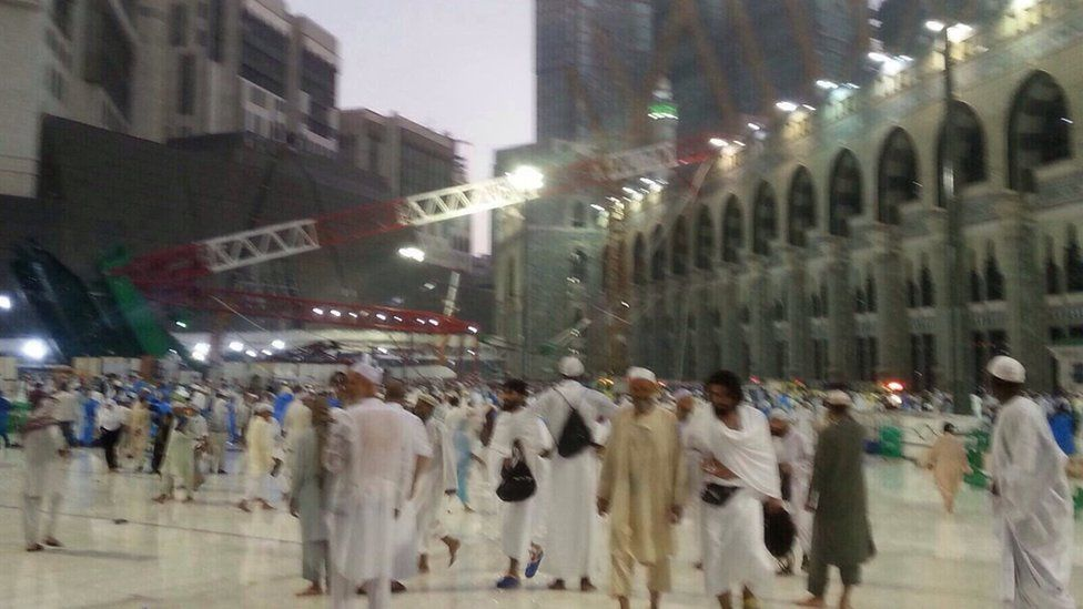 Collapsed crane in Grand Mosque, Mecca, on 11 September 2015