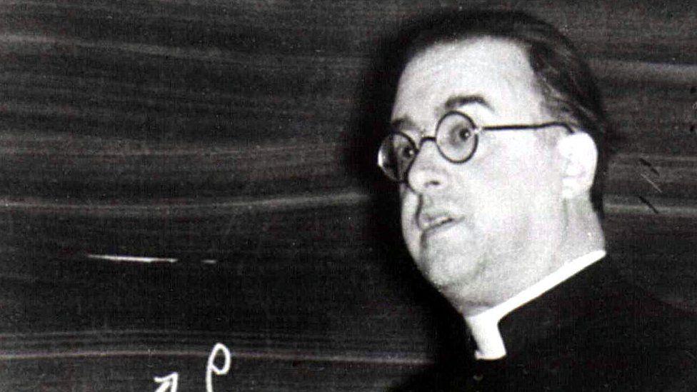 Georges Lemaitre, el cura católico que primero habló de la teoría del Big Bang
