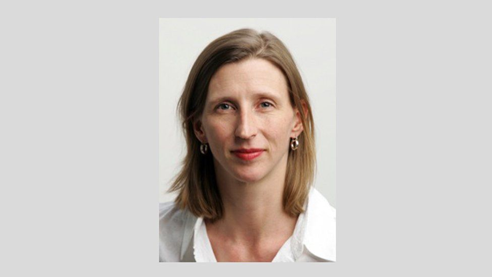Ellen Barry works for the New York Times and won the 2011 Pulitzer Prize in International Reporting