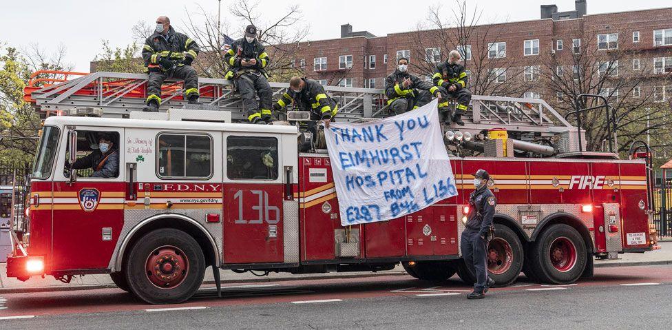 Firefighters in Queens applaud medical staff