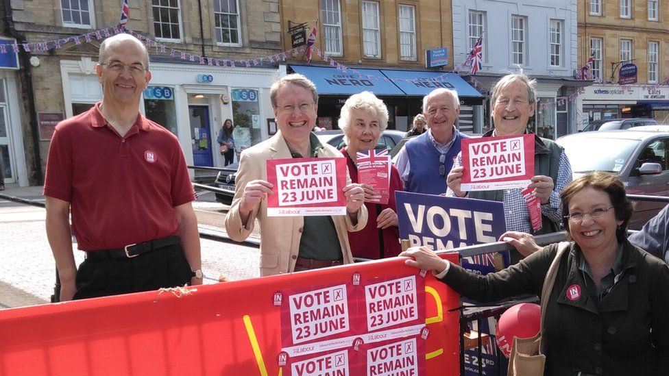 Labour Vote Remain street stall in Chipping Norton
