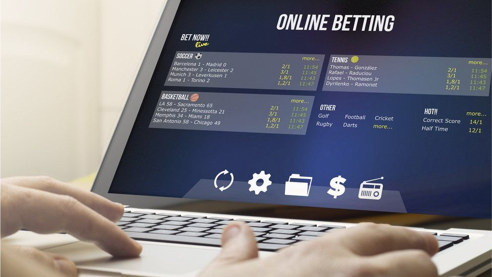 Watchdog clamps down on online gambling - BBC News