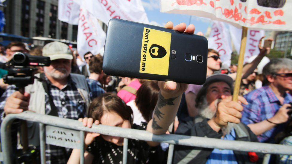 Protesters decry internet censorship in Moscow