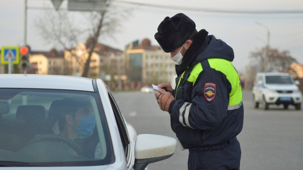 Police in Grozny impose lockdown