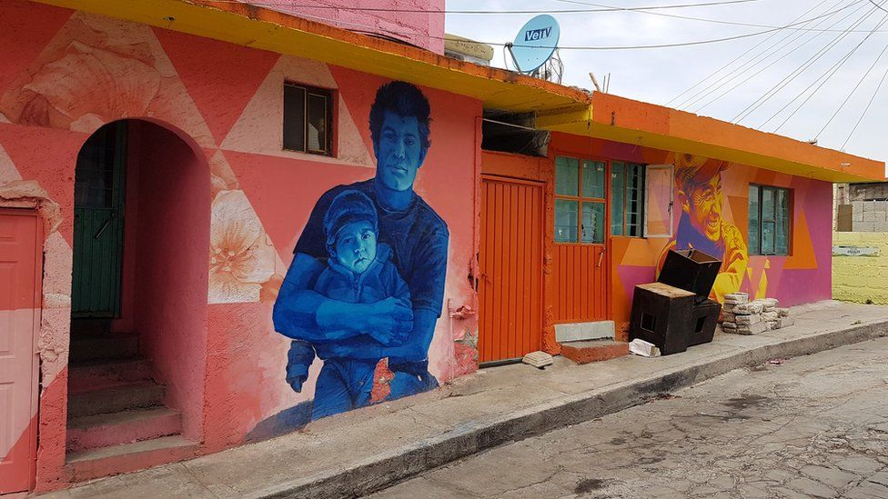 A view of a mural in Palmitas